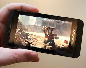 Den skarpe og fargesterke skjermen egner seg utmerket til filmvisning.