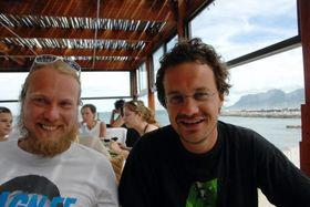Utvikleren bak Melodive, Johan Gjestland til høyre, sammen med sin faste betatester Ante.