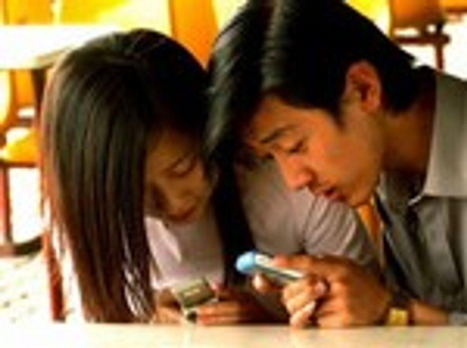 Arbeidere forgiftes i mobilfabrikker