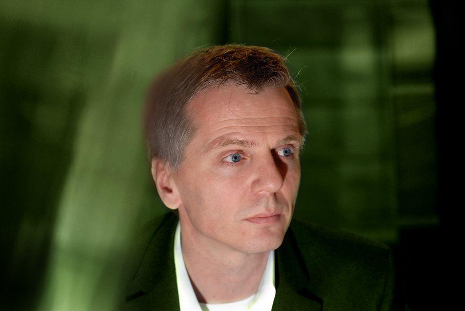 Norgessjef Ragnar Kårhus i Telenor kommer til å ha færre kolleger ved årets slutt enn han har i dag.