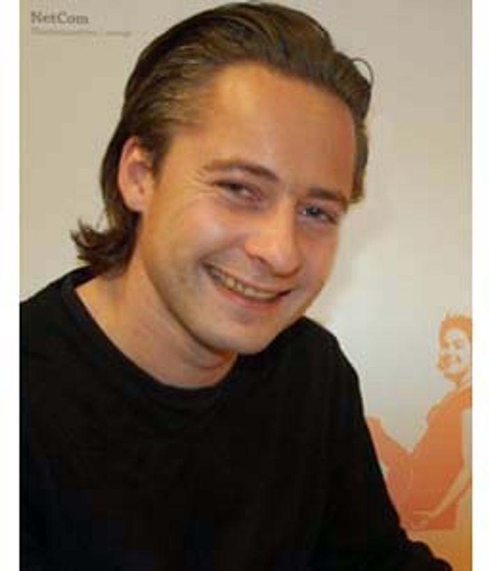 Netcoms innholdssjef Marius Halle sier mangelen på DMB-telefoner gjør at Minitv-arbeidet for deres dels står på stedet hvil.
