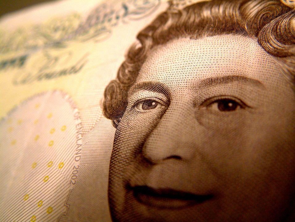 Britene diskuterer nå en økning av målet om 2 megabit/s tilgjengelig for alle innen 2015.