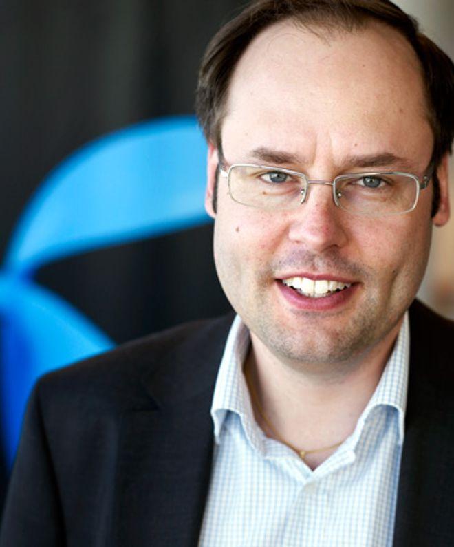 Lars-Åke Norling kvitter seg med over ti prosent av staben.