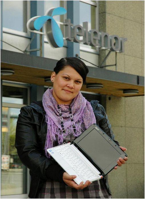 Anna Støp fra Vingrom er Telenors mobile bredbåndskunde nummer 200.000.