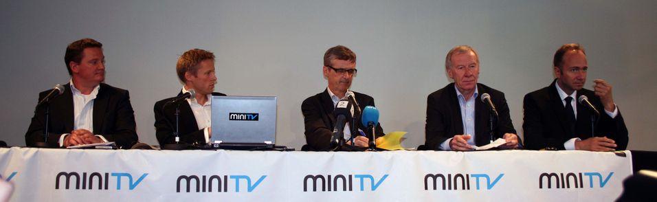 Kulturminister Trond Giske vil legge fram en egen stortingsmelding om DAB-radioens framtid.