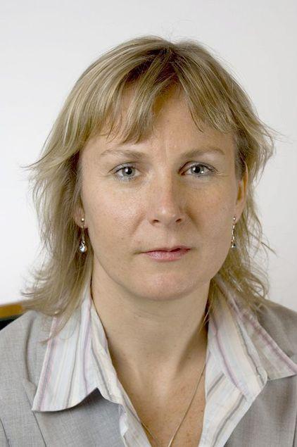 Elisabeth Aarsæther i Post- og teletilsynet forklarer at tilsynet mener Tele2 uansett har motivasjon til å bygge utover sine forpliktelser.