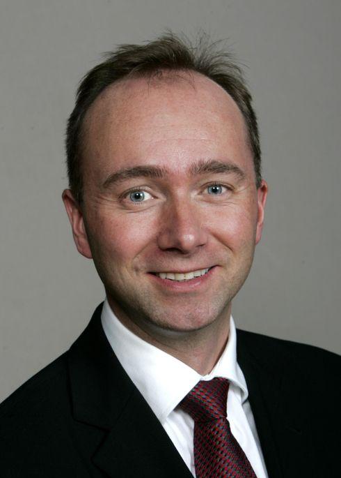Næringsminister Trond Giske er i gang med en satellitt-strategi. Den kommer til våren.