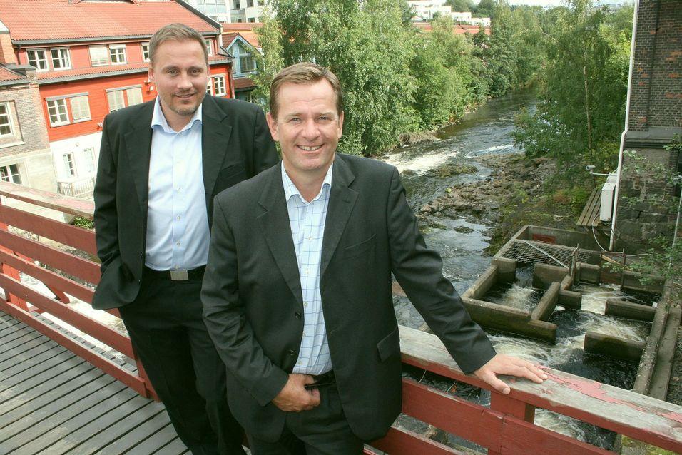 Partneransvarlig for Avaya i Norden og Baltikum, Pierre Blom (til venstre), her sammen med en av de norske partnerne, Jan Søgaard fra IPnett.
