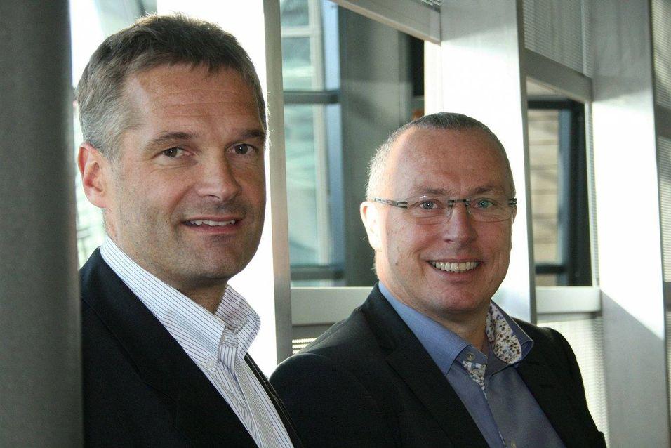Abraham Foss, leder for bedriftsmarkedet i Telenor og ansvarlig for Telenors satsing på Samordnet Kommunikasjon sammen med Knut Aasrud, leder for telekom- og mediasektoren i Microsoft i EMEA, under lanseringen av produktet torsdag 8. oktober.