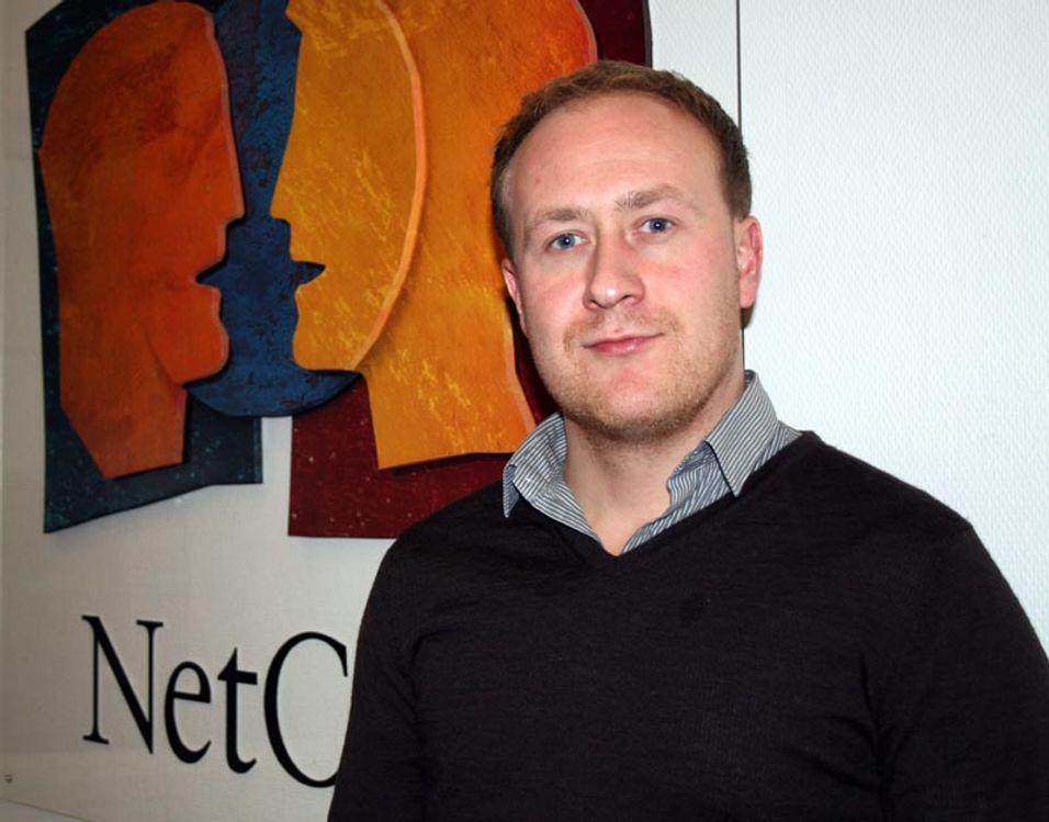 Kommunikasjonssjef Øyvind Vederhus og Netcom har begynt å rangere solgte mobiltelefoner.