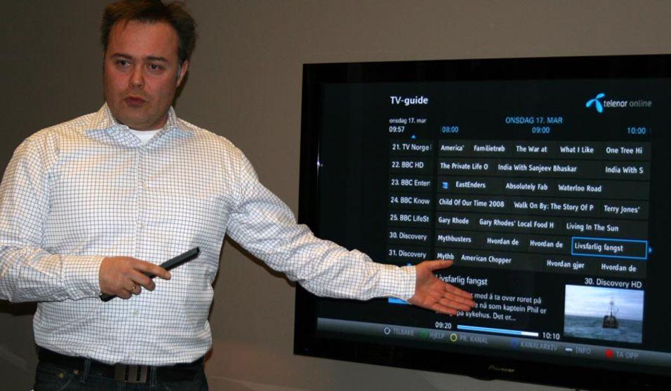 IPTV-ansvarlig Telenor, Dag Kristoffersen, presenterte menyene i den nye TV-løsningen.