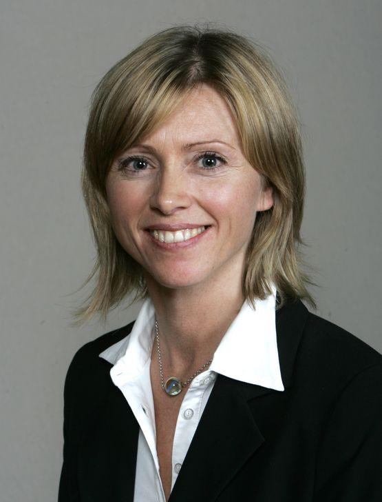 Statssekretær Hege Solbakken (Sp) i Kommunal- og regionaldepartementet sier det vil bli satset like mye på bredbånd i 2012 som i 2011.
