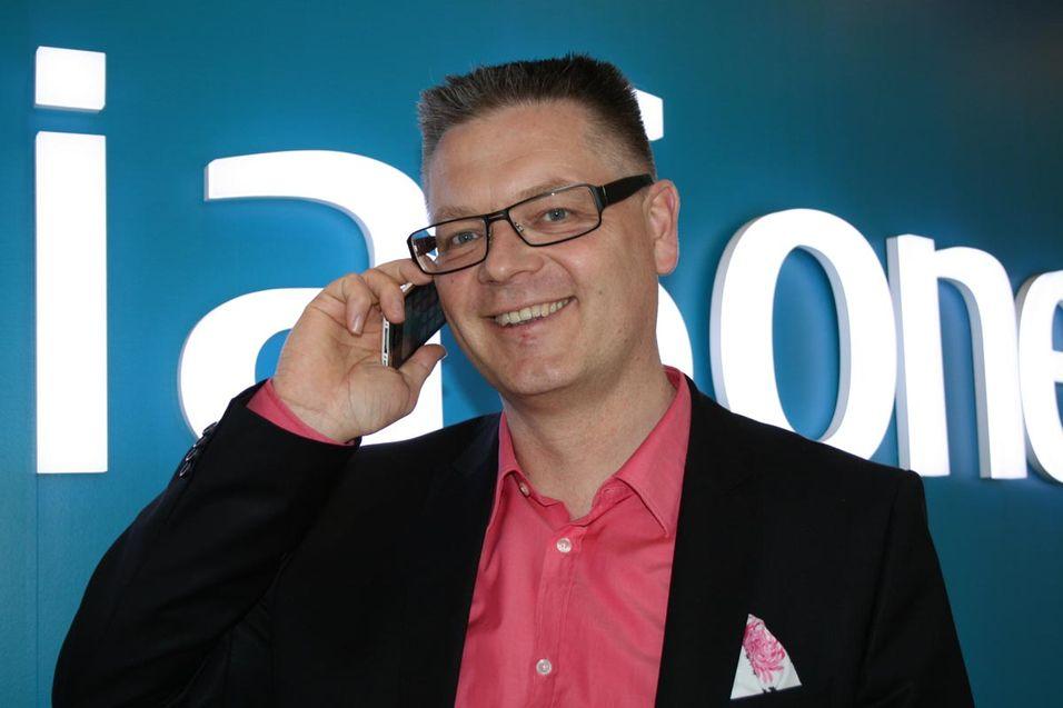 Teliasoneras mobilsjef i Norden og Baltikum, Håkan Dahlström, har sammen med Telenor staket ut en ny kurs for å møte den knallharde konkurransen i det danske mobilmarkedet.