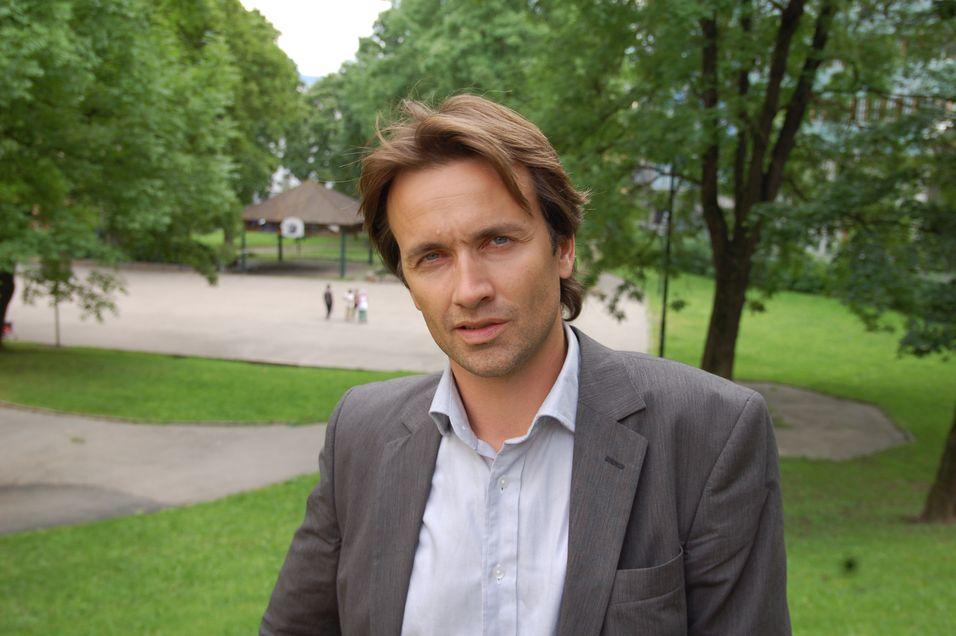 Barneombud Reidar Hjermann er sterkt motstander av overvåkning av barna, og ber derfor Datatilsynet om å redegjøre for det videre arbeidet mot Bipper og Tele2.