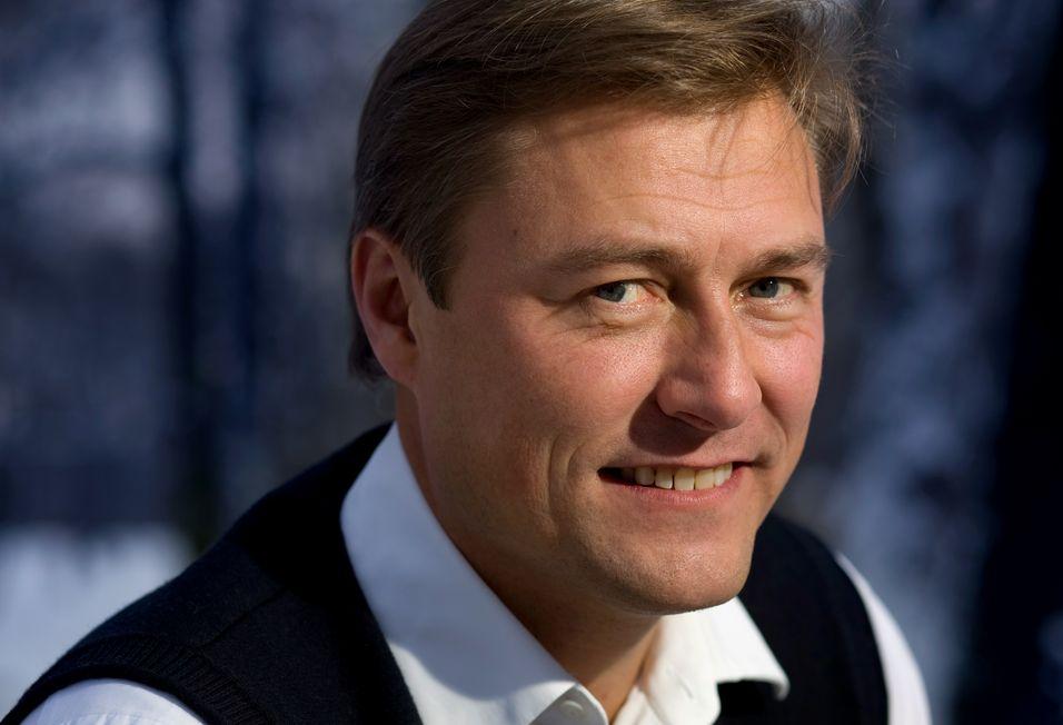 Idar Vollvik har tidligere vært i trøbbel med svenske myndigheter på grunn av manglende levering av årsregnskap. Nå er regnskapet levert, men ikke godkjent.