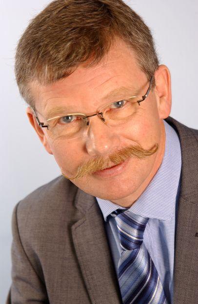 Flemming Graversen går fra Polycom til Videra, der han skal hjelpe finske Elisa med å blir store på videkonferanser - ved å selge produkter fra nettopp Polycom.