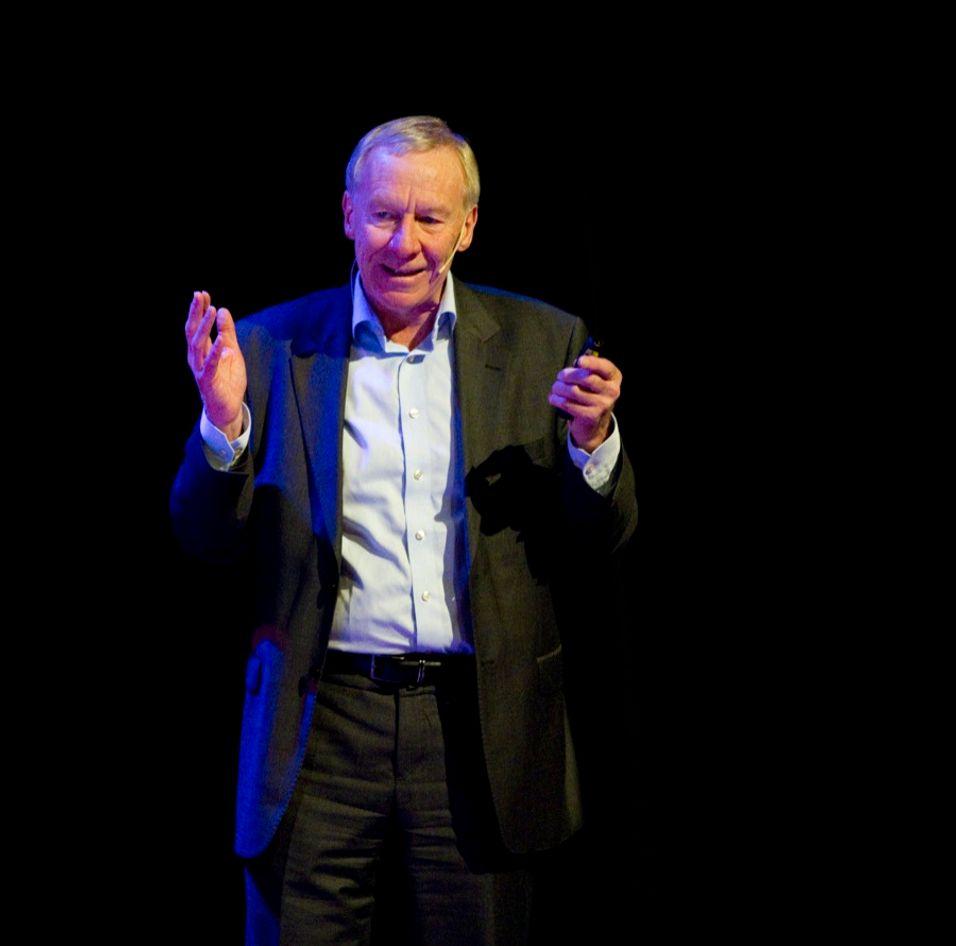 Festklar: TV 2-sjef Alf Hildrum skal feire kanalens 20-årsjubileum til helgen.