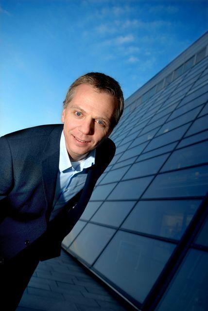 Telenors norgessjef, Ragnar Kårhus, taper stadig kunder på xDSL. Men nå er selskapet i startgropa med sin VDSL-satsing.