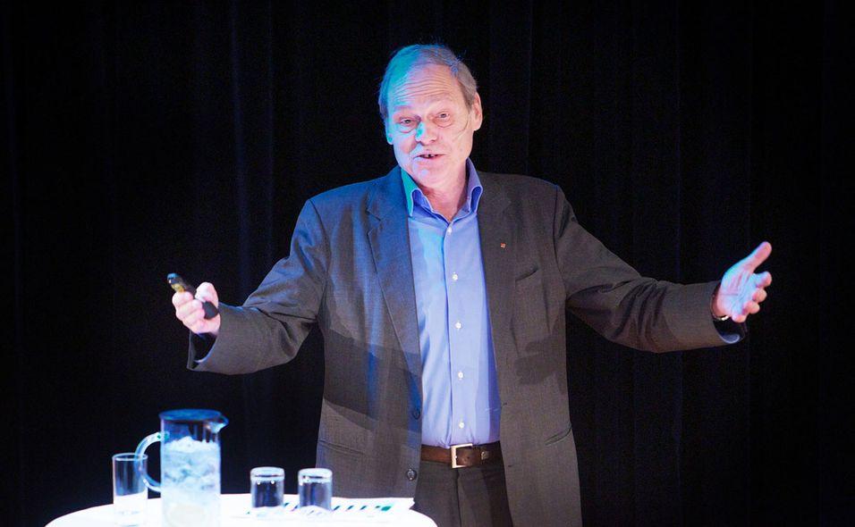 Willy Jensen tror teleoperatørene slipper unna regulering av nettnøytraliteten. Men kun hvis de oppfører seg.