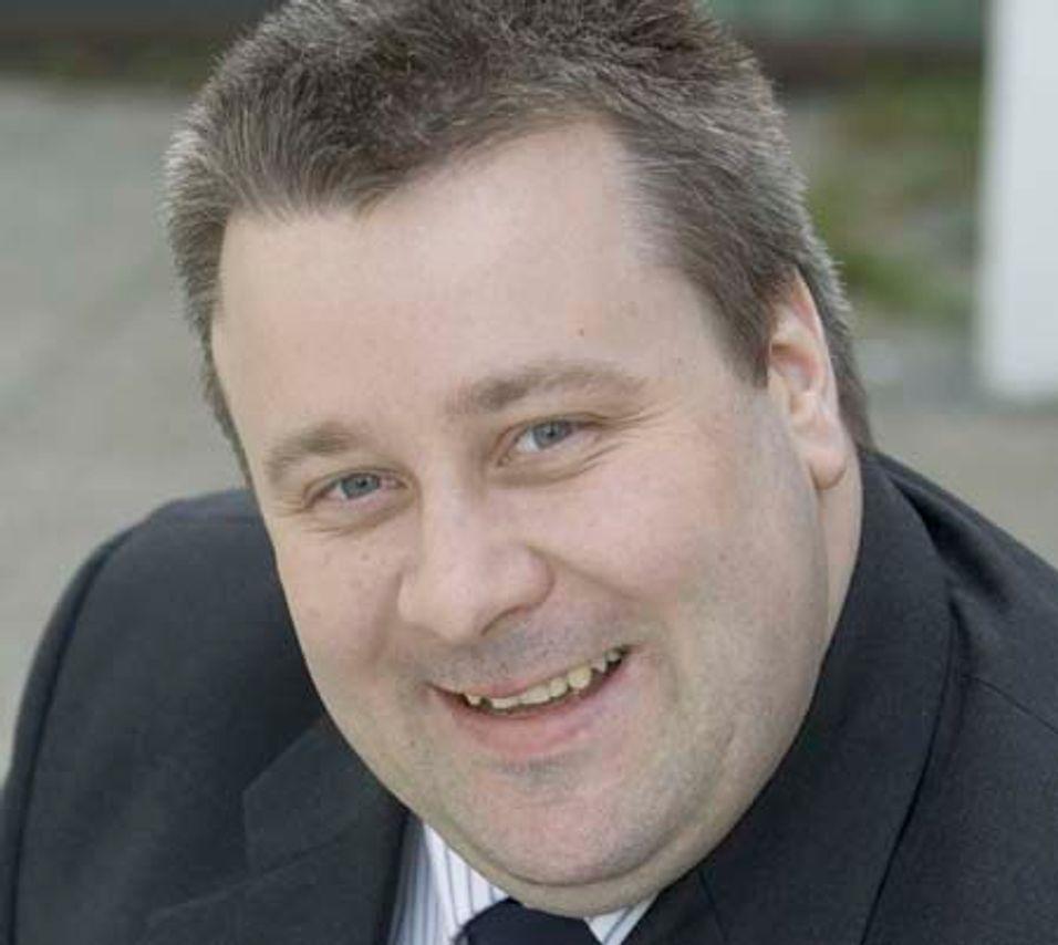 FRP-politiker Bård Hoksrud er blant forslagsstillerne som ba regjeringen legge frem finansieringsløsninger for bredbåndsutbygging.