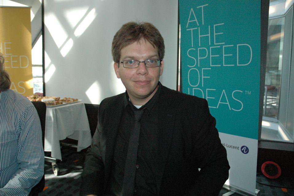 Alcatel Lucents Stefaan Vanhastel mener det er få begrensninger for hvilke tjenester som kan leveres via regulerte GPON-fibernett.