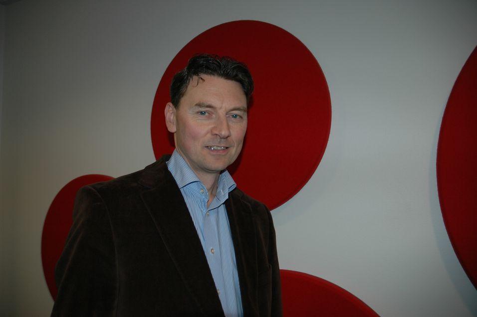 Teknisk direktør Geir Løvnes i Tele2 går i rette med August Baumann når det gjelder innovasjon.