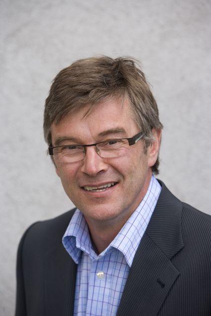 Administrerende direktør Ketil Kivedahl i TDC Norge har slanket staben. Nå kritiserer han reguleringsmyndighetene for ikke å sikre konkurransen i markedet.