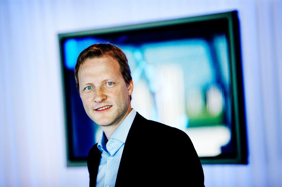 Informasjonsdirektør Kenneth Tjønndal Pettersen i Canal Digital mener flere kontroller er viktig for å stoppe uautorisert vising av opphavsrettsbeskyttet materiale.
