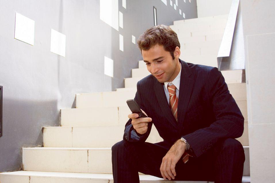 Avhengig av mobiltelefonen i jobben