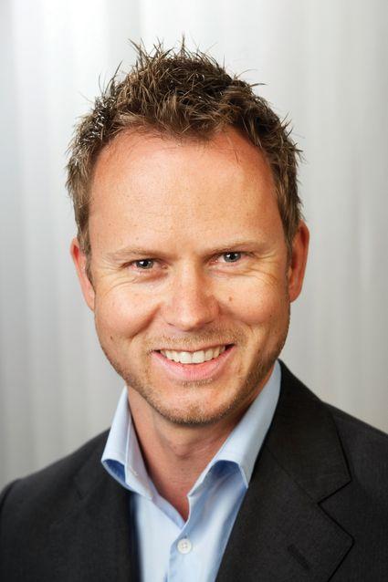 Netcoms privatmarkedssjef Karl Fredrik Lund senker nå prisene på mobilt bredbånd.