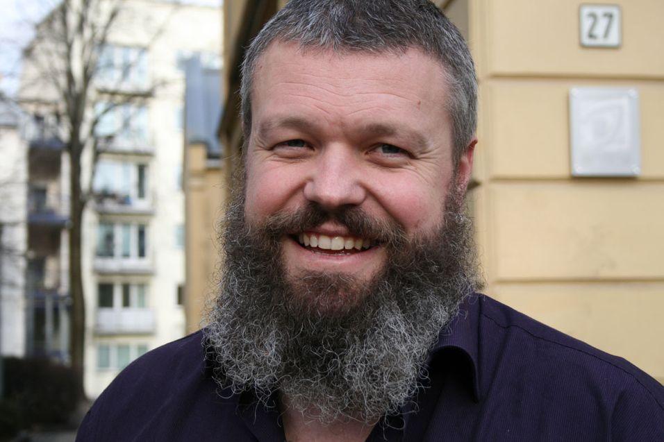Direktør for internett og nye medier Torgeir Waterhouse i IKT-Norge mener kommunene bør se verdien av å legge til rette for utbygging av samfunnskritisk infrastruktur.