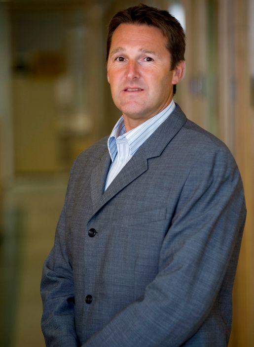 Altibox produktdirektør Hans Bjarne Solheim gjør fasttelefonen mer mobil.