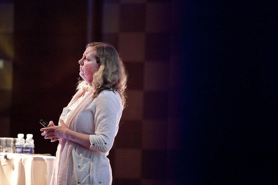 Telenor Norge-sjef Berit Svendsen vil ha en avklaring på omfanget av Telenors sikkerhetsansvar etter ekomloven.