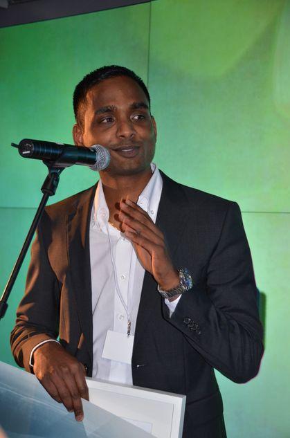 Dsafe-gründerDaro Navaratnam mottok Digital Winner-prisen igår kveld.