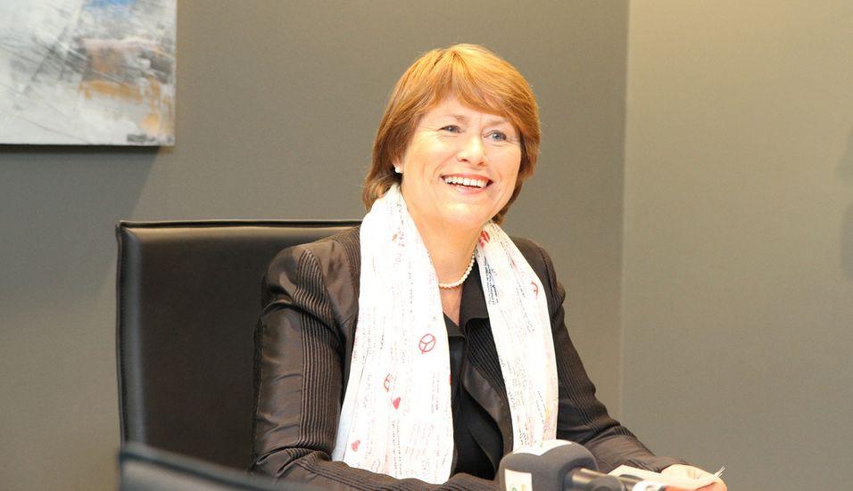 Justis- og beredskapsminister Grete Faremo tar over ansvaret for IKT-sikkerhet og -beredskap.