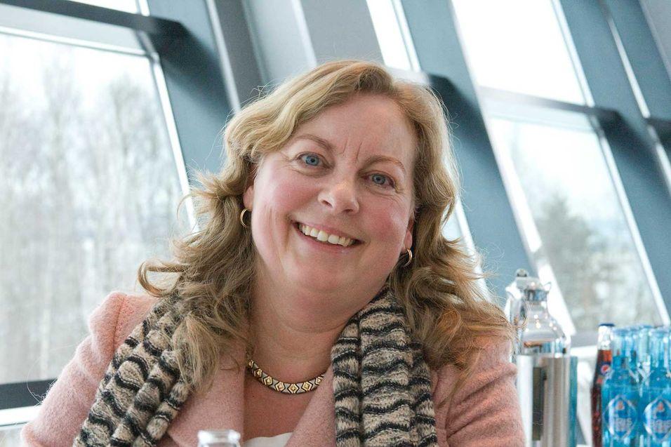 Telenor Norge-sjef Berit Svendsen er fornøyd med at fiberutrullingen i selskapets regi er i siget, og forventer å nå målet om over 30 prosent markedsandel i løpet av 2015.