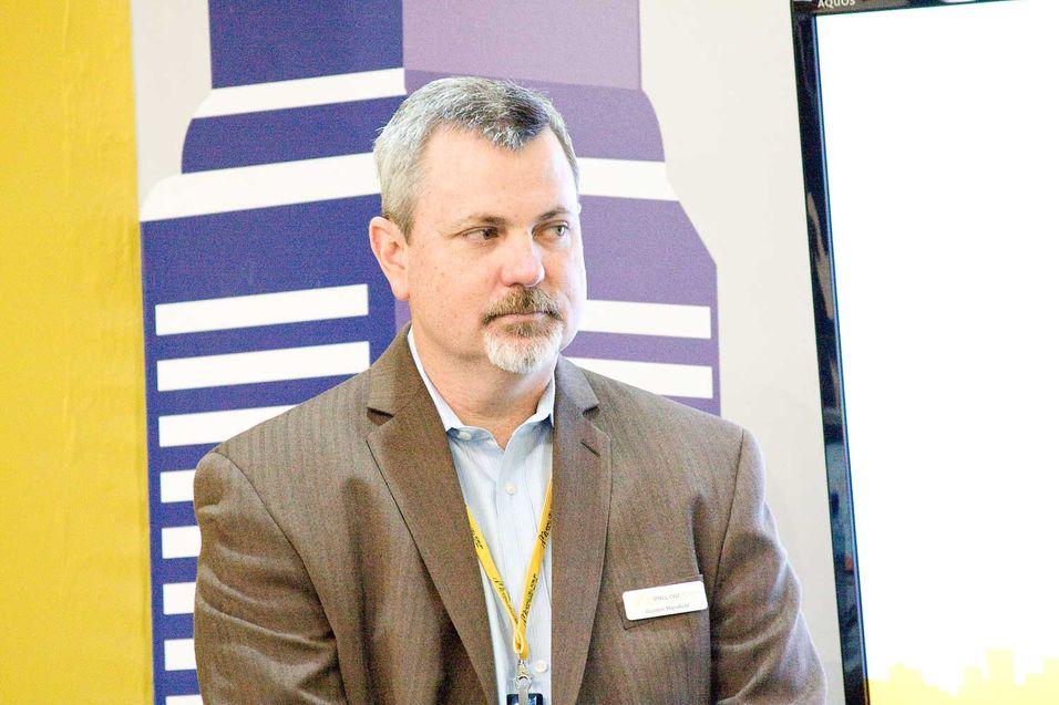 Gordon Mansfield understreker betydningen av standardisering når milliopner av småceller skal inn i mobilnettene.