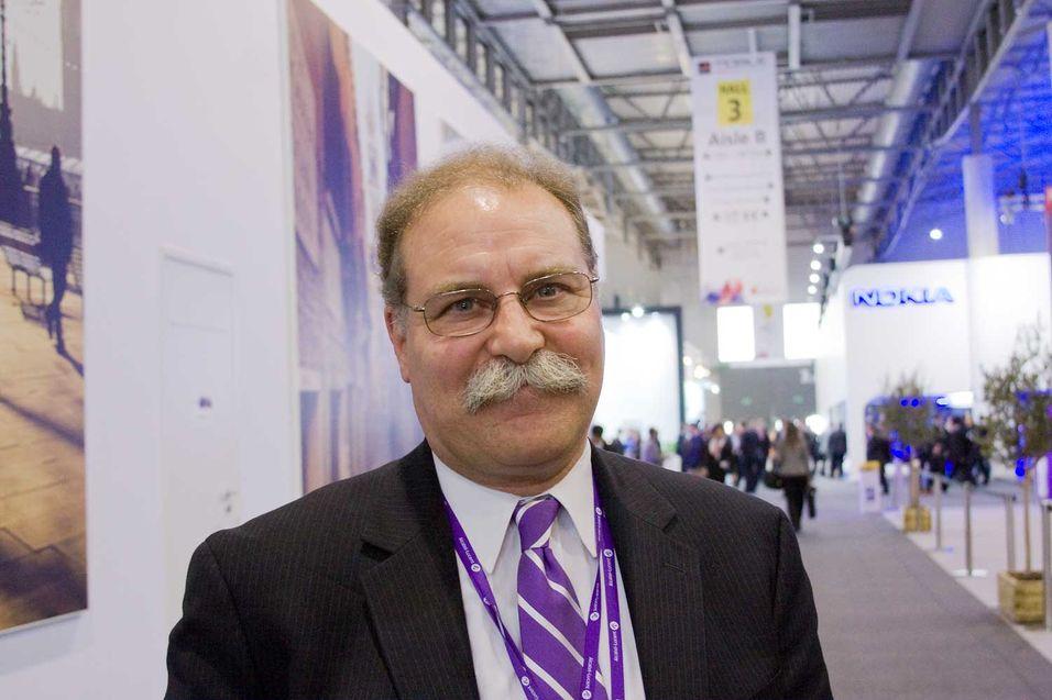 Tod Seizer fra Alcatel-Lucent Bell Labs sier selskapet jobber med en småcelleløsning som legger til rette for at operatører sammen kan sette opp småceller.