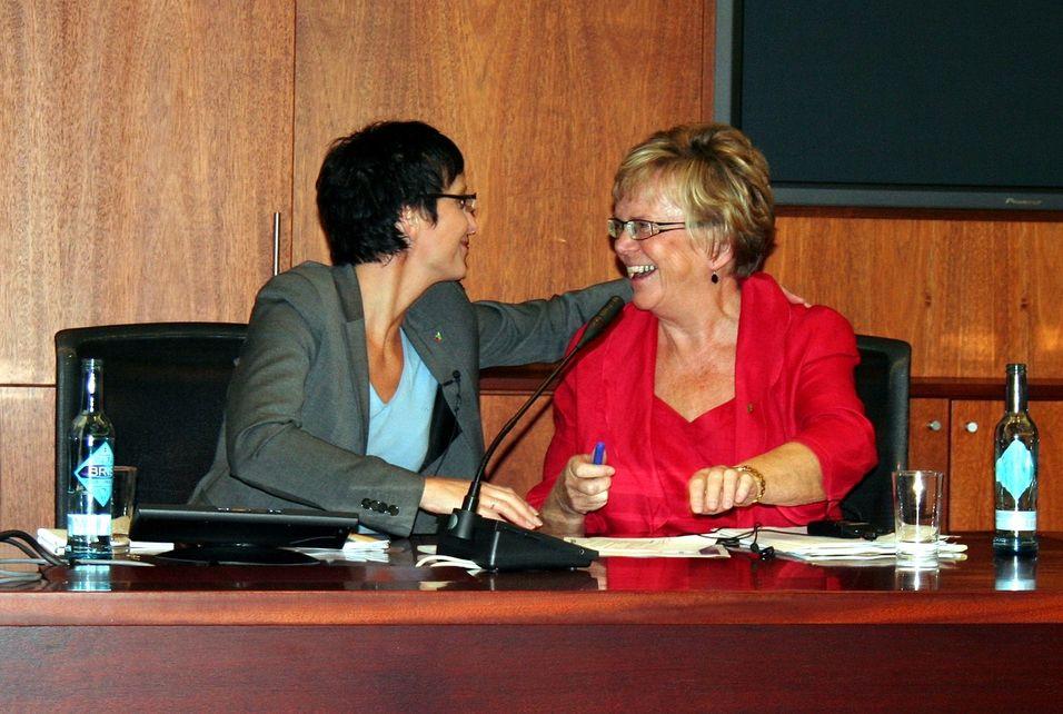 Fornyings- og administrasjonsminister Heidi Grande Røys (SV) og kommunal- og regionalminister Magnhild Meltveit Kleppa (Sp).