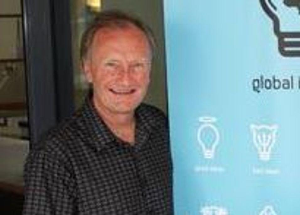 Daglig leder Jon Indset i Infonett Røros takker blant annet sine gode kontakter i Telenor for at selskapet har fått kjøpe Canal Digitals kabelnett i Måløy og Sandnessjøen.