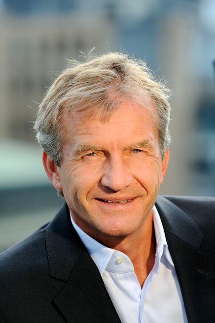 Viasat Norge-sjef Erik Børresen vil ikke spekulere i hva som skjer med Canal Digitals DTH-kunder.