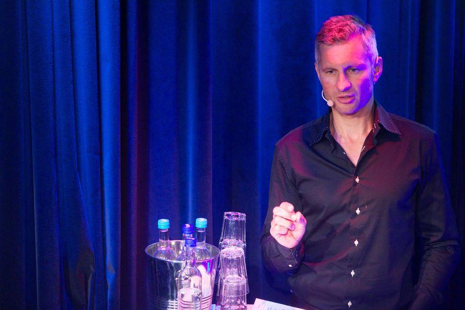 Northzone Ventures Torleif Ahlsand advarte deltakerne på Appworks fra å samarbeide med teleoperatørene.