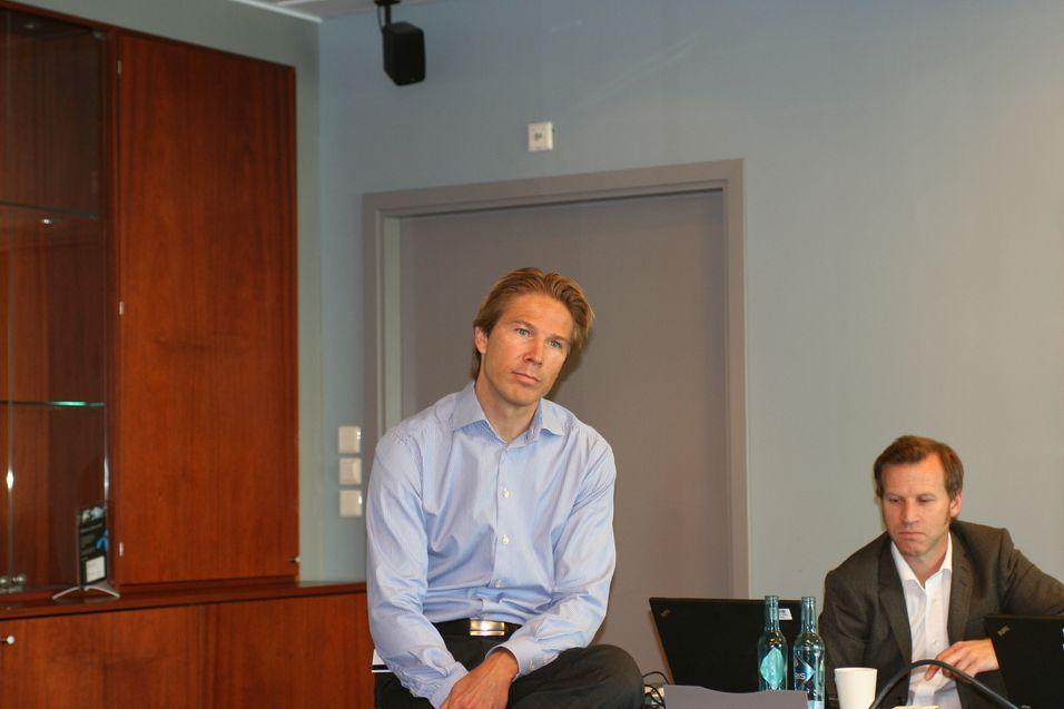 Teknologidirektør Rolv-Erik Spilling i Telenor informerte om selskapets signaleringsproblemer under teknisk time.