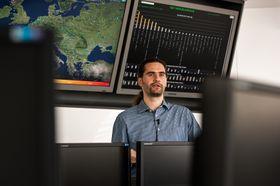 Juraj Malcho, ESETs forskningsdirektør, forteller at de får inn over 200 000 virusprøver om dagen.