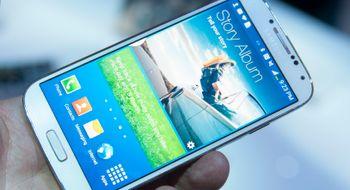 Samsung Galaxy S4 Samsungs nyeste gjør et fantastisk førsteinntrykk