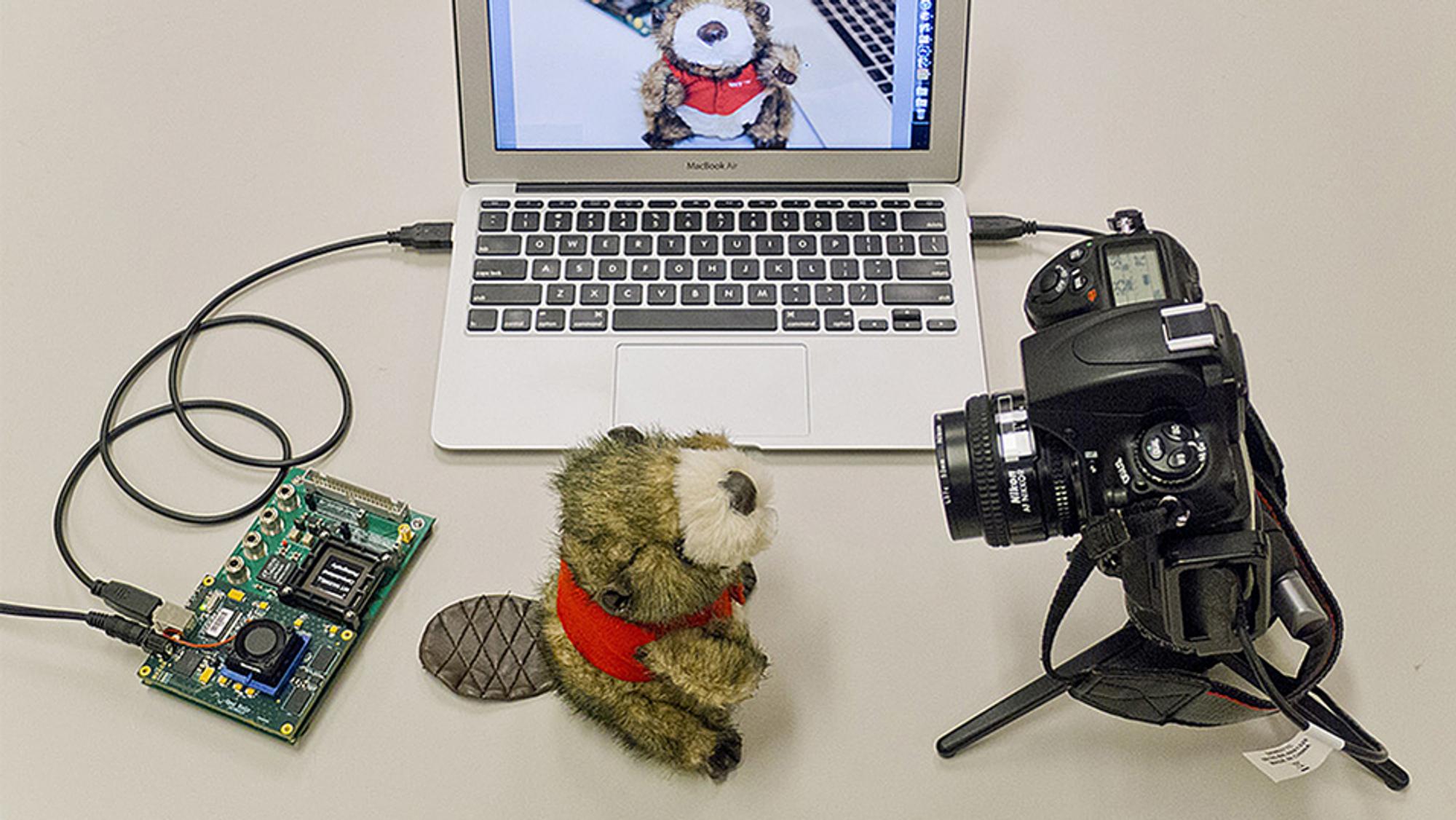 Systemet blir testet med et systemkamera.