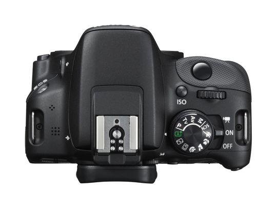 Canon EOS 100D byr ikke på mye å holde i.