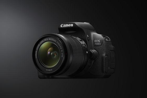 Canon EOS 700D.