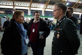 Fornyingsminister Rigmor Aasrud og major Dag E. Kjønø er enige i at The Gathering er en god rekrutteringsarena.
