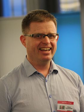 Simen Sommerfeldt har kunnet trekke på ressurser fra Dataforeningen og IKT Norge.